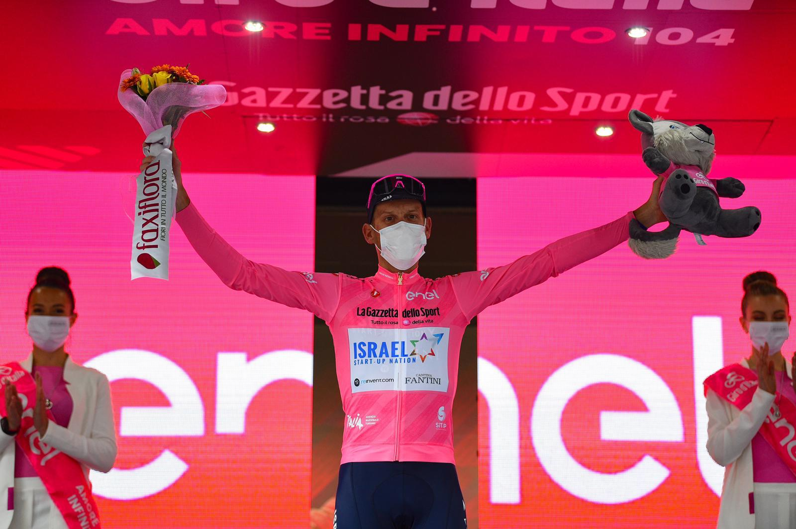 De Marchi takes the pink jersey in Giro d'Italia!