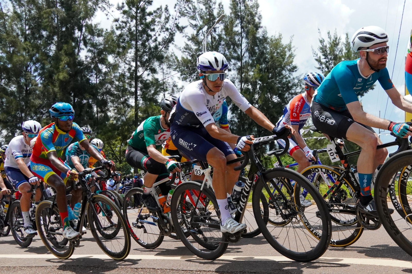 Opening stage in Rwanda: Israel Start-Up Nation creates hard race and starts the hunt for GC