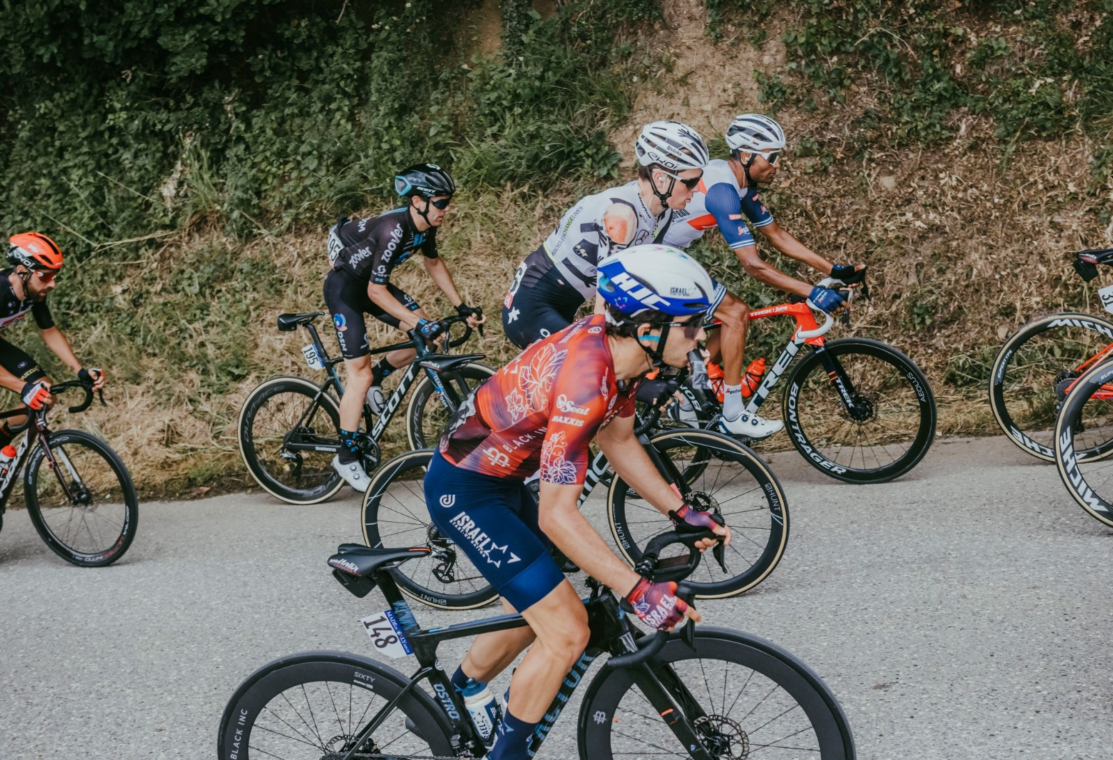 ISN, with Dan Martin finishing in the peloton, rounds off stage 15 in Giro